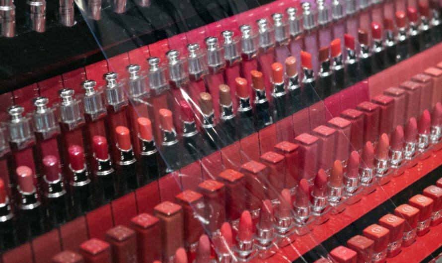 Mask might have killed the'lipstick index.' What lipstick index?