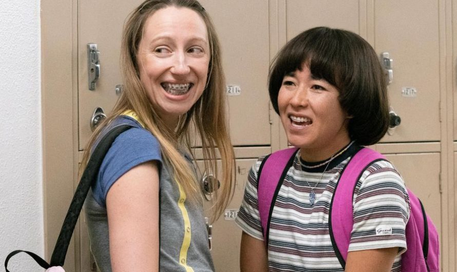 'Pen15' Season 2 wants girls to know they are not the problem: Review