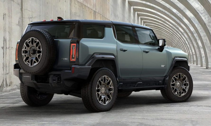 This is the 2024 GMC Hummer SUV