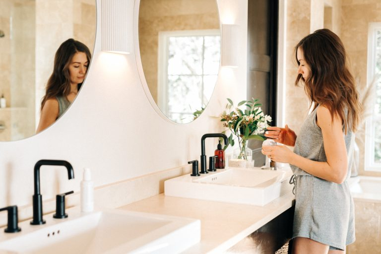 10 Must-Have Products For a Minimalist Everyday Makeup Routine