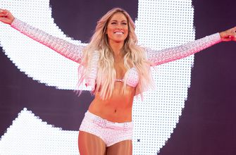 Kelly Kelly gets married